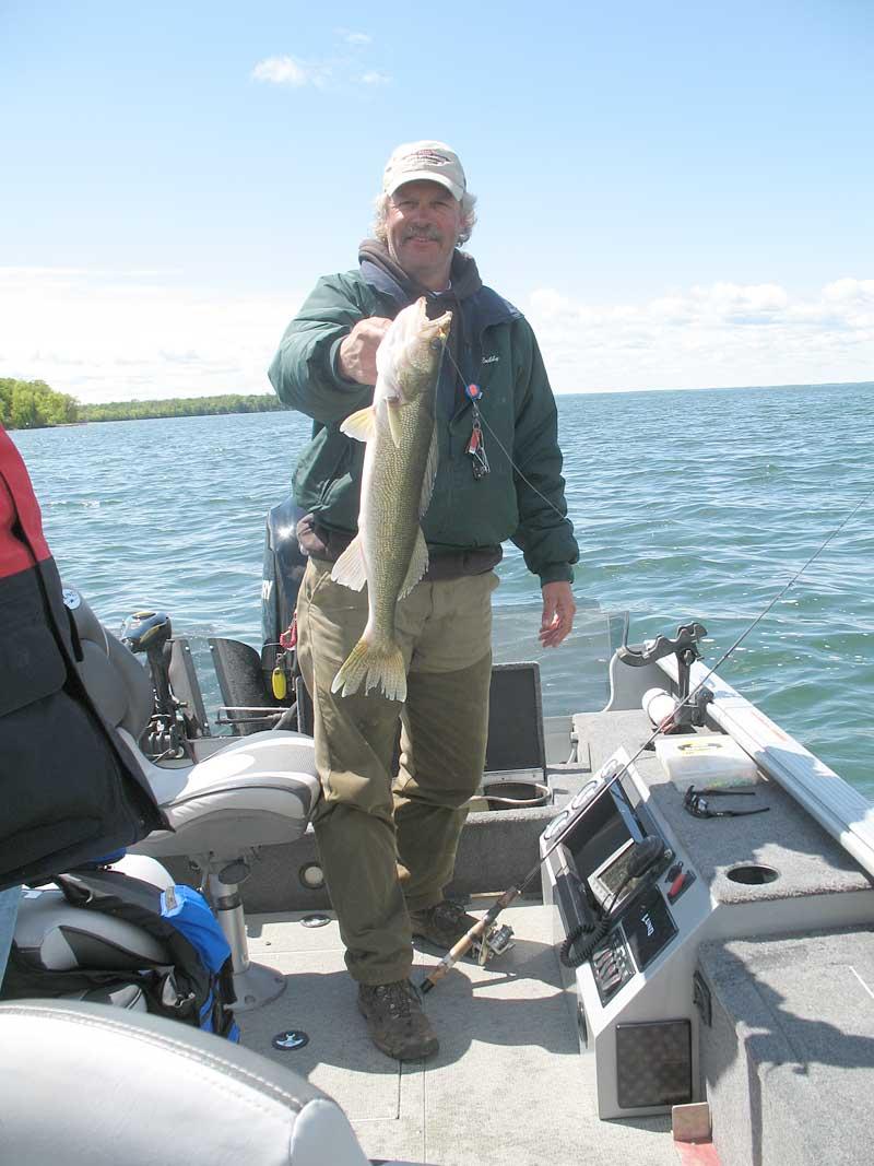 Professional guides lake for Lake winnie fishing report